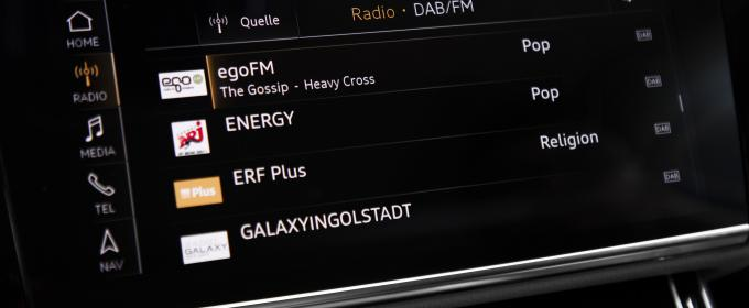 Image of radio in car dashboard